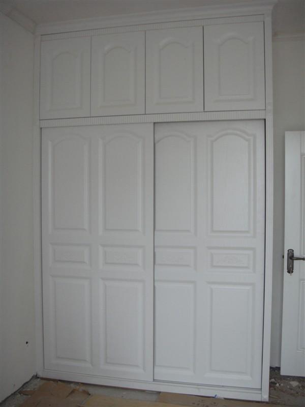 欧式推拉门顶柜平开门